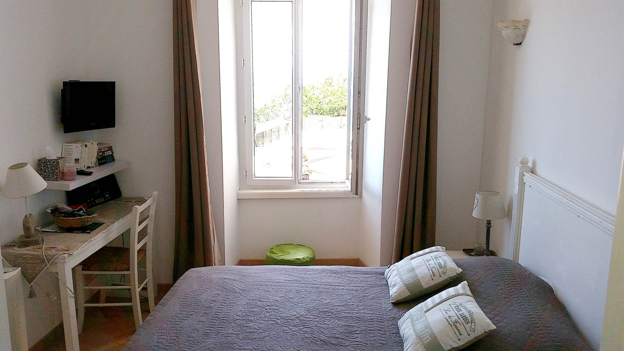 appartement madonnetta galerie la fl mmardi re chambres d 39 h tes bonifacio corse du sud. Black Bedroom Furniture Sets. Home Design Ideas
